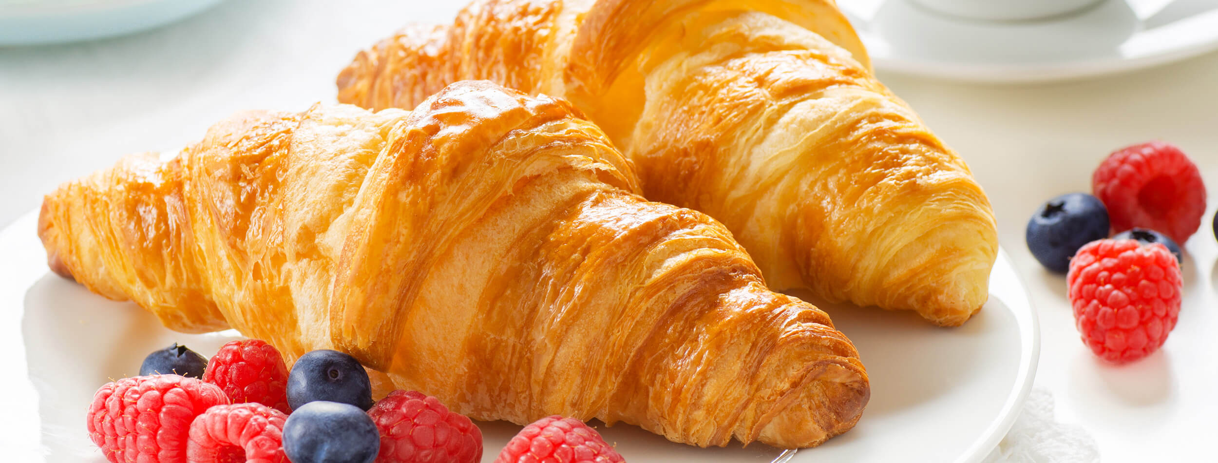 Sep 18, · Many pastry cooks use the double fold to save time. So, instead of doing 6 single folds, they would do 3 book folds. As I experimented with gluten-free puff pastry dough, I found that dough folded in book folds didn't rise quite as much as that folded in single folds.